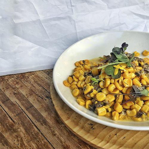 Risotto de maíz con setas y parmesano